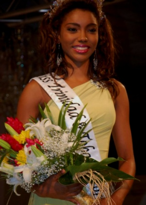 Lee-Anne Forbes  - Miss T&T World 2011